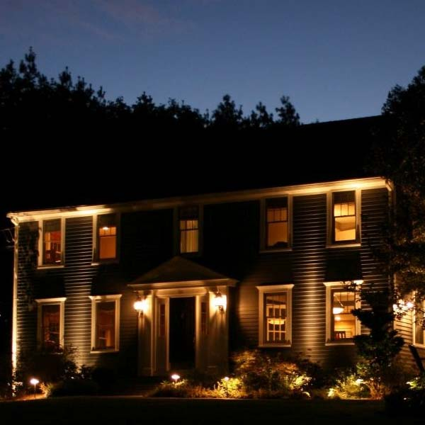 Locke's Landscaping Outdoor Landscape Lighting Pros